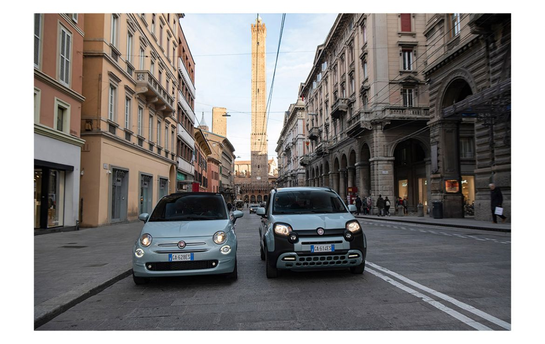 Новые Fiat 500 и Panda Hybrid представляют собой первый шаг в процессе электрификации бренда Fiat.
